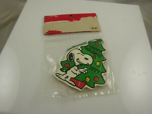 Snoopy-1977-vintage-tree-in-original-packaging-Christmas-ornament-xmas