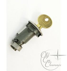 1972-1976-Lincoln-Mark-IV-Trunk-Lock-Cylinder-with-Key-D2LY6543505A