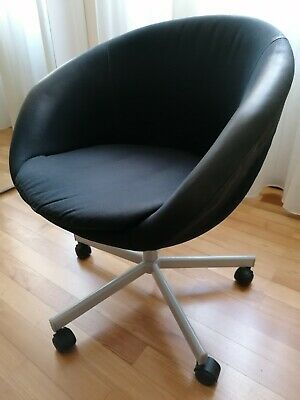 Sedia Ikea SKRUVSTA nera girevole con rotelle per ufficio ...