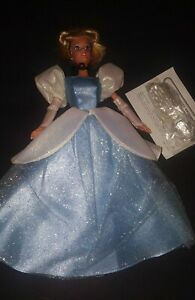 NEW Walt Disney Cinderella Doll Signature Collection