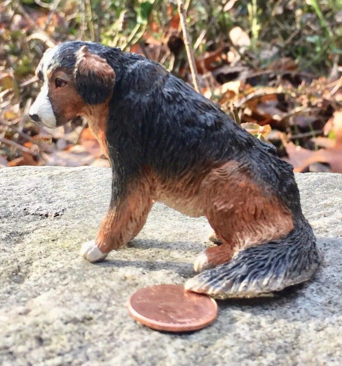 tiendas minoristas Miniatura Dollhouse perro por artista Leslie Frick. 1 12 12 12  suministro de productos de calidad