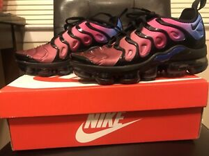 purchase cheap 3d112 22b83 Details about NIKE AIR VAPORMAX PLUS BLACK/BLACK-TEAM RED Women's 7