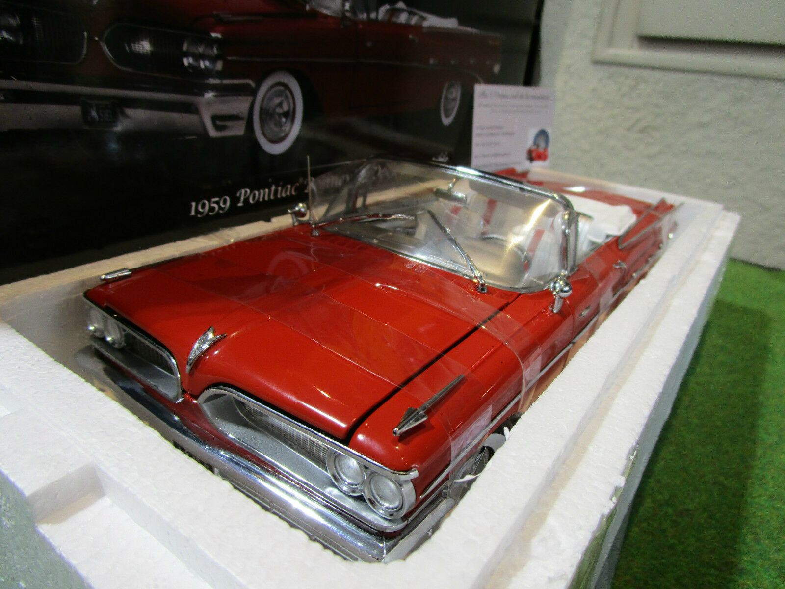 PONTIAC BONNEVILLE CONverdeIBLE 1959 cabriolet 1 18 SUN Estrella 5183 voiture miniatu