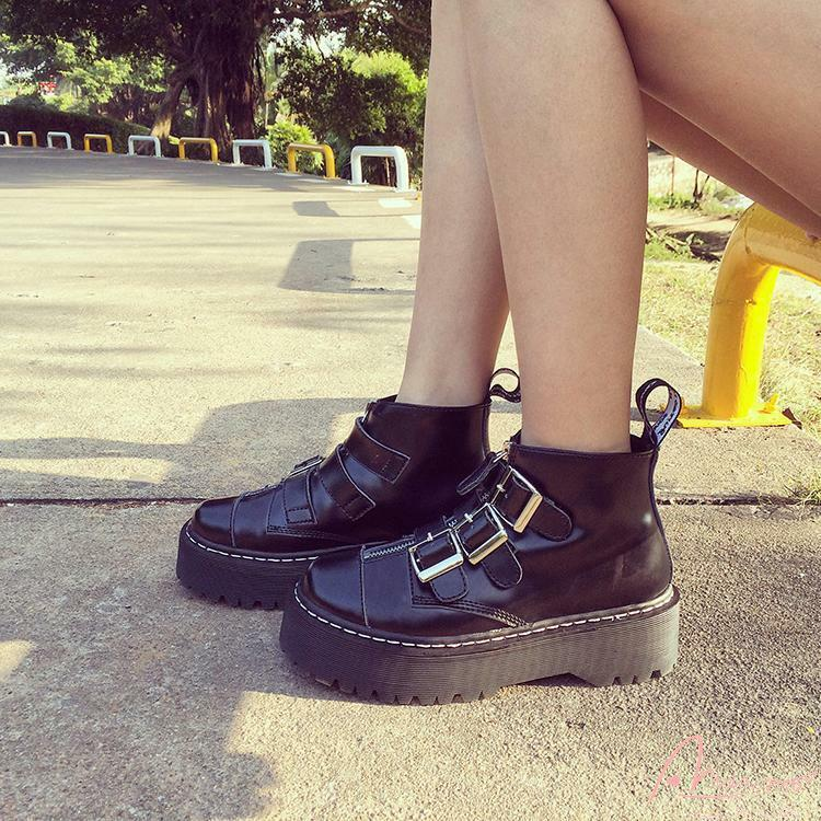 Platform Motorcycle Ladies Gothic Rock Ankle Boots Multi Buckle Punk shoes Hot
