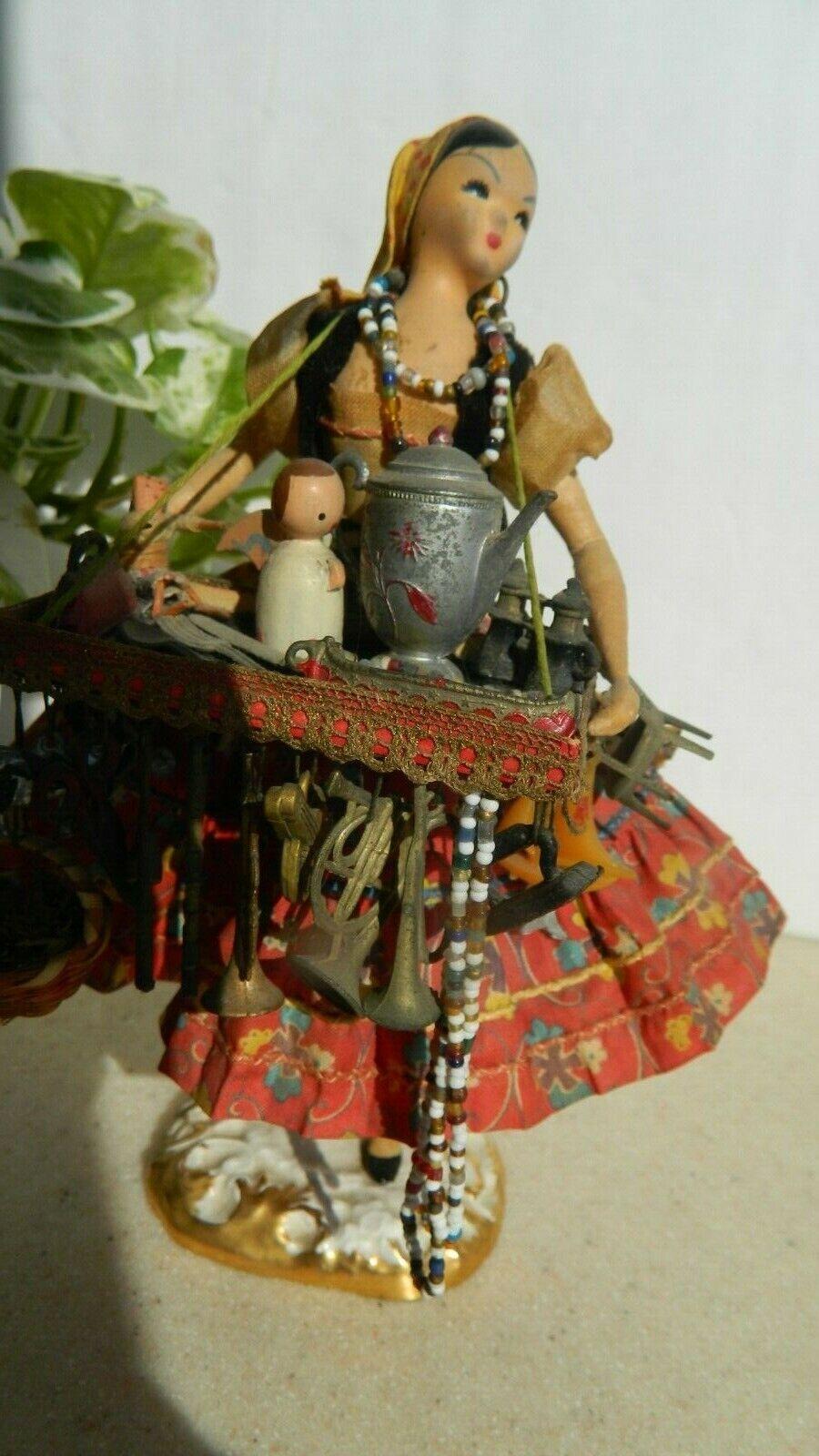B. Brooks  POD-A-bambola Peddler donna Loaded w  Tiny Antiques Signed. Cool &Rare   stile classico