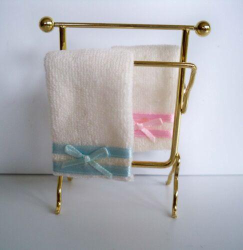 miniatura BAGNO PORTA ASCIUGAMANI-metallo con due asciugamani 1:12