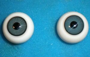 pair of old glass eyes blue 085034 - Felindre, United Kingdom - pair of old glass eyes blue 085034 - Felindre, United Kingdom