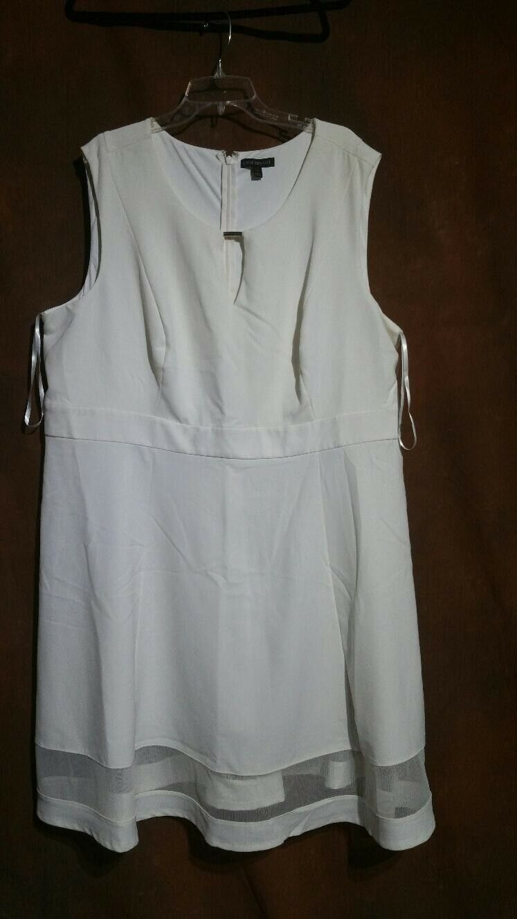 Lane Bryant Fit & Flare Dress Sz 26 Off Weiß Sleeveless Brand New without tags