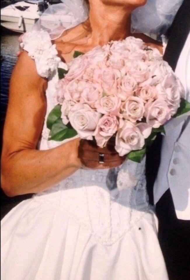 Brudekjole, str. 36, Satin og silke