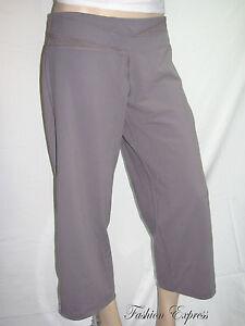 6668056bdb42e8 Victoria's Secret VSX SPORT YOGA CAPRI PANTS Relaxed M | eBay