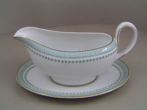 ROYAL-DOULTON-BERKSHIRE-GRAVY-BOAT-AND-SAUCER-1st