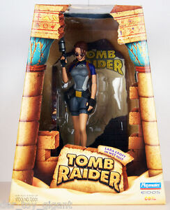 Tomb-Raider-Lara-Croft-in-Wet-Suit-Mit-Display-Base