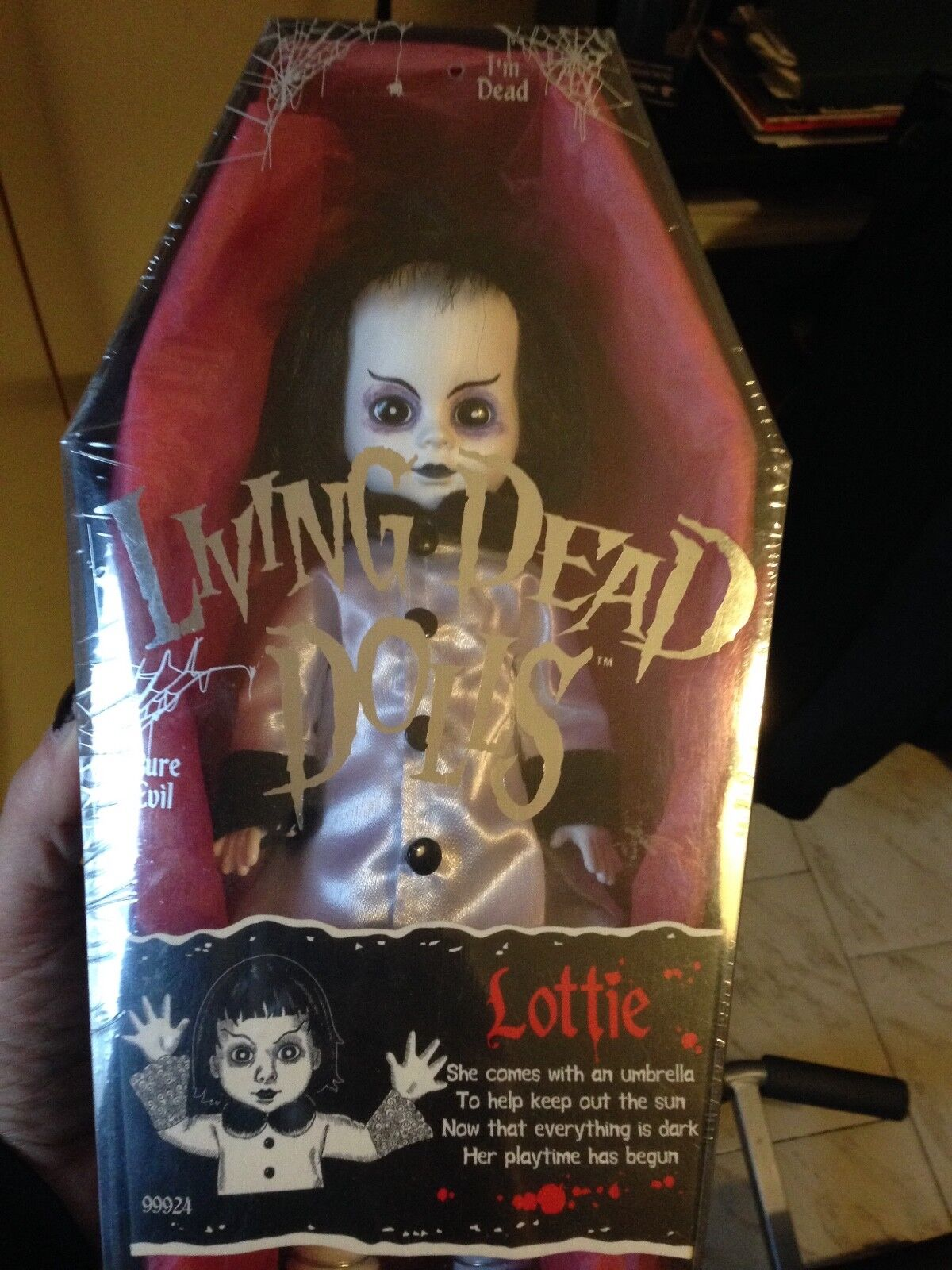 LIVING DEAD DOLLS LOTTIE SERIES 3 RARE- SEALED NEW (NUOVO)