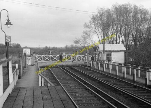 Paddock Wood 7 Beltring /& Branbridges Railway Station Photo SE/&CR Yalding