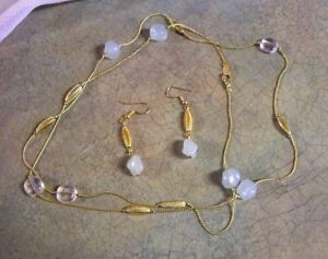 Details about VINTAGE AVON NECKLACE AND EARRING SET