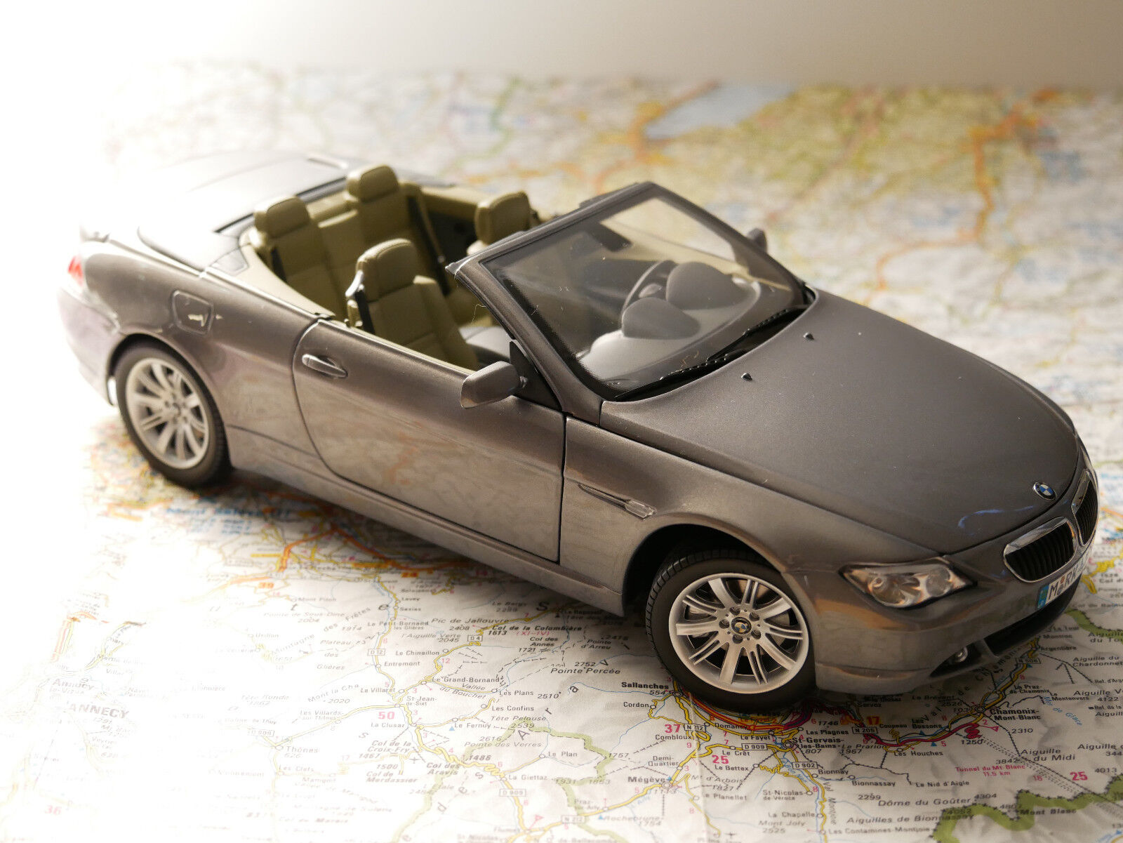 KYOSHO BWM 6-ER CABRIO ANTRAZ.MET.  BWM - DEALER- VERSION  1 18  NEW