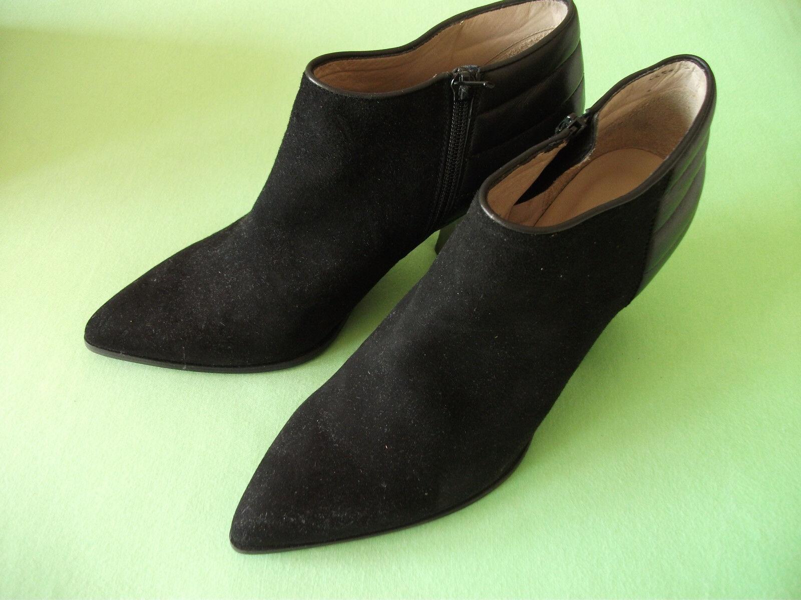 Orig. UNISA- moderne Echtleder- Stiefelette schwarz Gr. 40 neu
