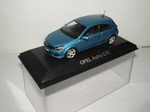 Opel-Astra-H-GTC-Modellauto-1-43-breezeblau-metallic