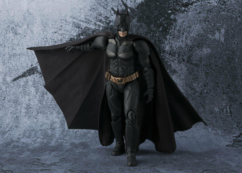 S.H. Figuarts Batman (The Dark Knight) 150mm Figure from Japan F S