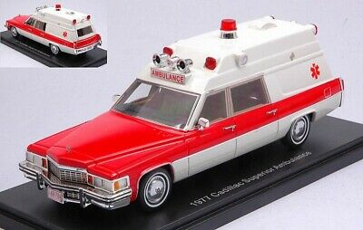 Cadillac Superior Ambulance 1977 1:43 Neo  47241  *NEW* weiss//rot
