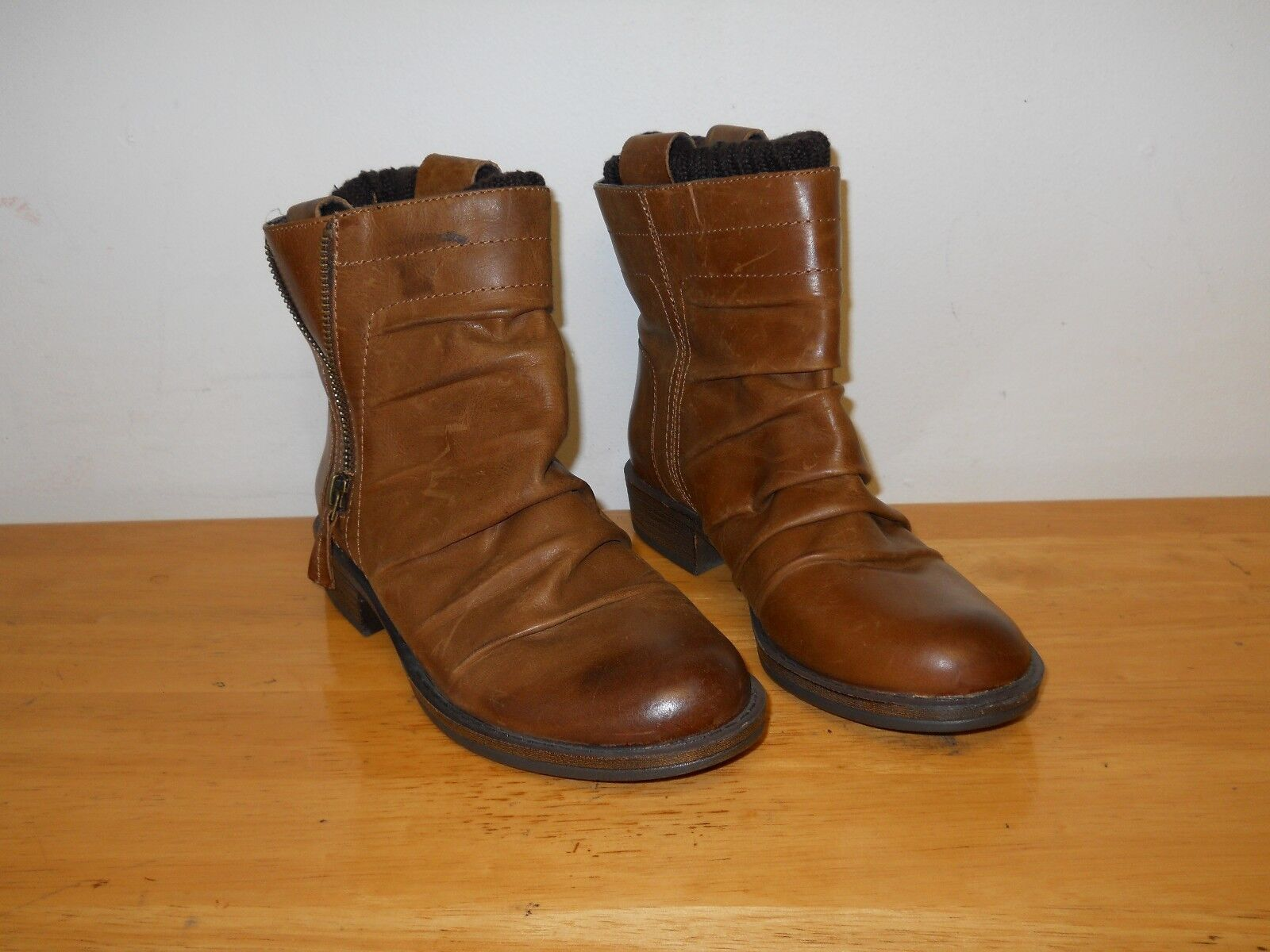 Gianni Bini New Display Model femmes marron Ankle bottes 6 M chaussures NWOB