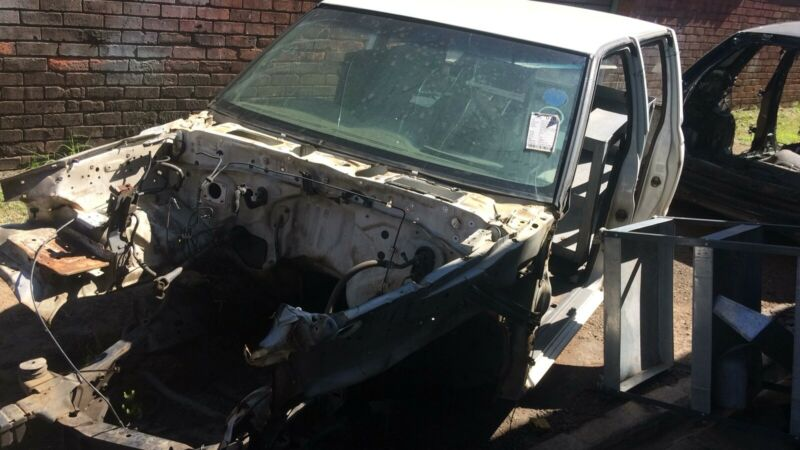Nissan NP300 Chasis and Papers for sale