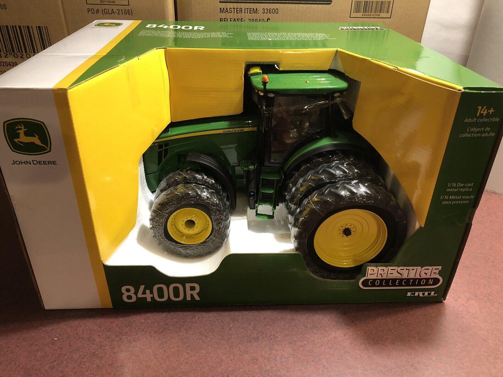 ERTL 1  16 PRESTIGE COLLECTION JOHN DEERE 8400R tracteur avec triple arrière  promotions d'équipe
