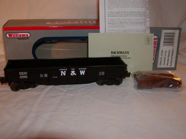 Williams Bachmann 47208 Norfolk & Western Gondola Wooden Barrels O 027 display