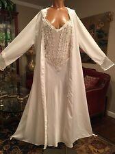 Flora Nikrooz Ivory Nightgown NWT Robe Peignoir  Large XL Extra Large Sissy Diva