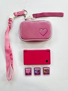 Nintendo-DSi-in-pink-mit-Huelle-Stift-und-3-Spiele-Zubehoerpaket