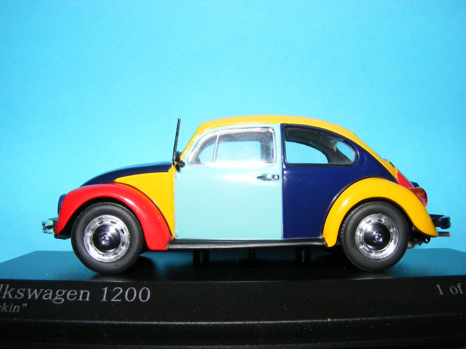 VW Beetle 'Harlequin' 'Harlequin' 'Harlequin' 1200 Collectable Minichamps  Product in 1 43rd. Scale deb4b6