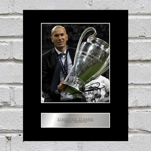 Zinedine Zidane Signed Mounted Photo Display Real Madrid #1