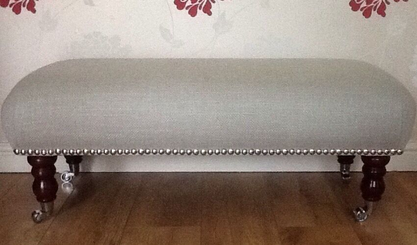 A Quality Long Footstool In Laura Ashley Dalton Dove grau Fabric