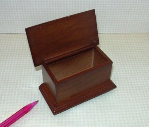 DOLLHOUSE Miniatures 1:12 Scale Boy/'s Chest Miniature Footed Walnut Toy Box