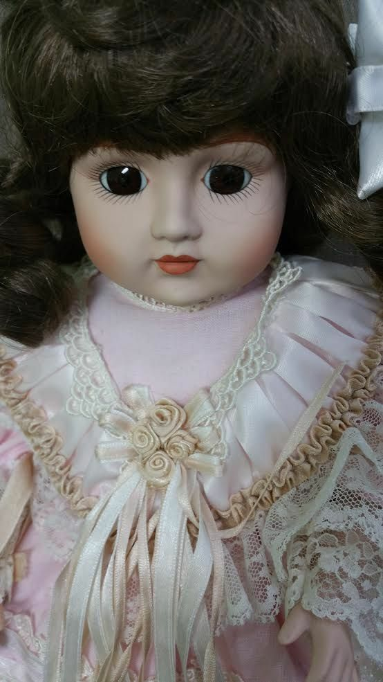Bellissimo Gorham 1990 15  Doll with Gorgeous Dress