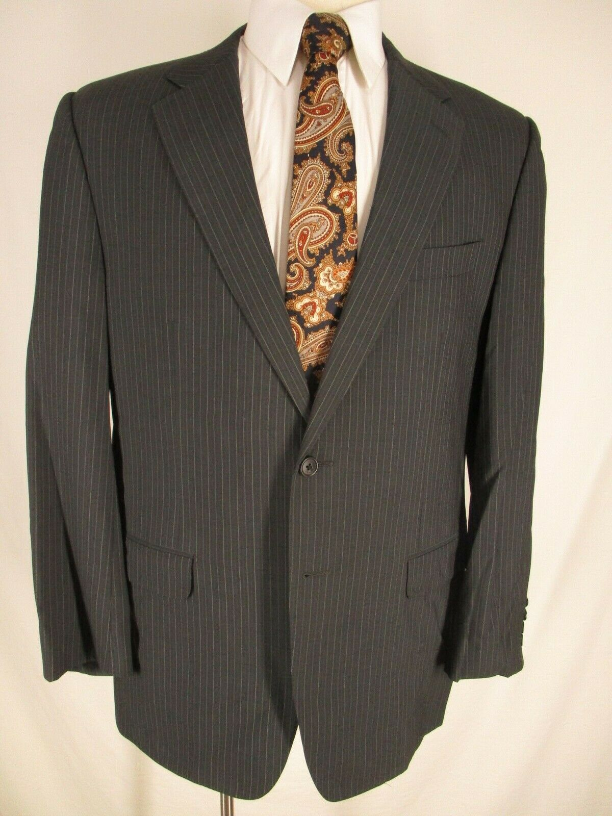 Corneliani Mens Grey Stripe 2 Btn Suit 44R  Made Recent