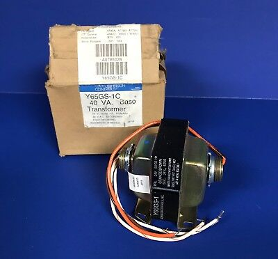 NEW in Box Johnson Controls # Y65GS-1C 40VA Sec 24V Foot Mount Baso Transformer