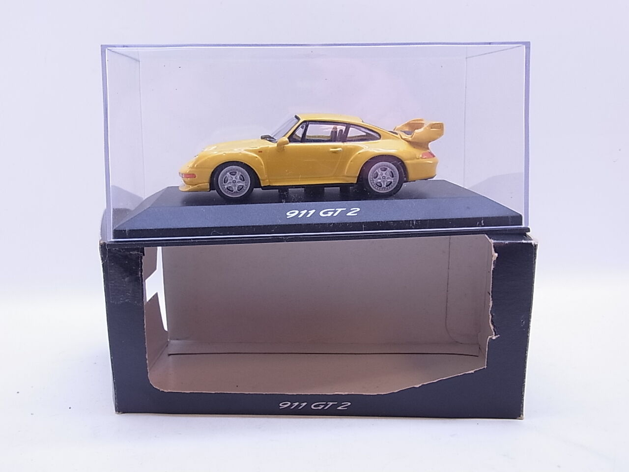 LOT 40699 Minichamps Minichamps Minichamps Porsche 911 GT2 Typ 993 yellow Modellauto 1 43 in OVP 3b1a24