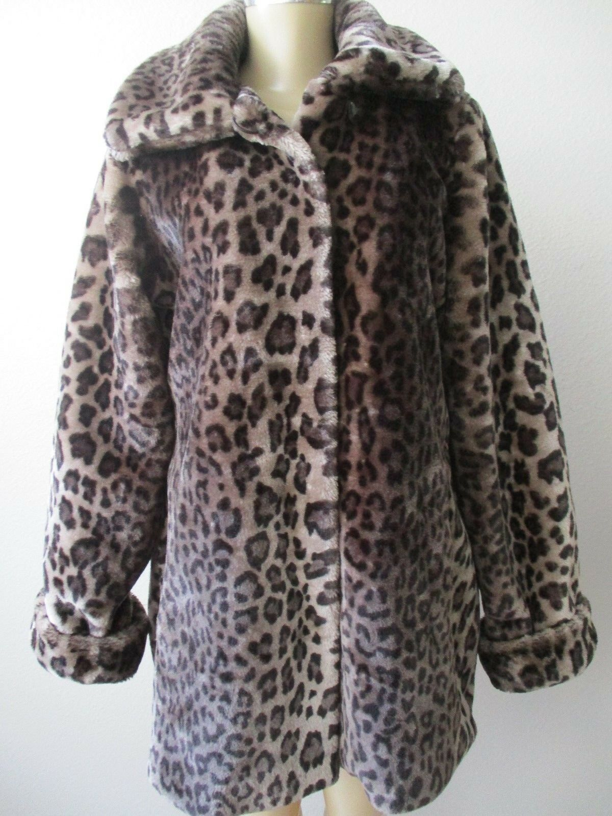 DENNIS BY DENNIS BASSO ANIMAL DESIGN FAUX FUR LONG SLEEVE COAT SIZE S - NWT