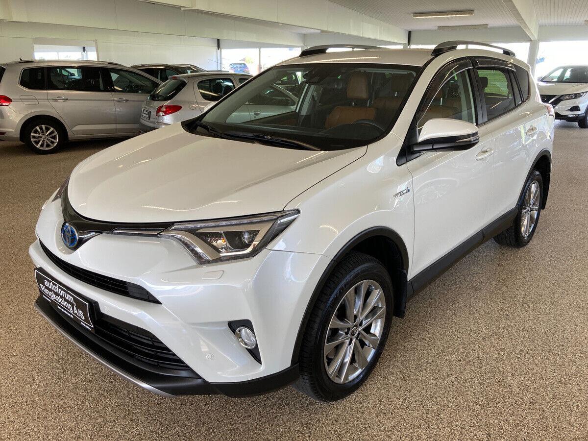 Toyota RAV4 2,5 Hybrid H3 Selected CVT 5d
