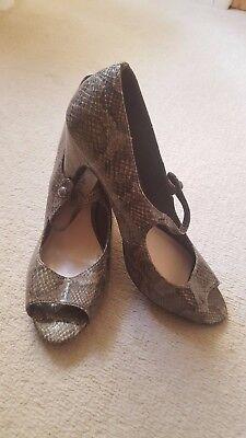 Super Marks & Spencer Estampado Animal Verde Caqui Zapato, Peep Toe, Talla 7, en muy buena condición