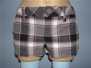 NEW Aeropostale Junior Girls Black Plaid Shorty Shorts 1//2