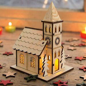 kirche mit led beleuchtung lichthaus weihnachtshaus holz deko f r weihnachten ebay. Black Bedroom Furniture Sets. Home Design Ideas