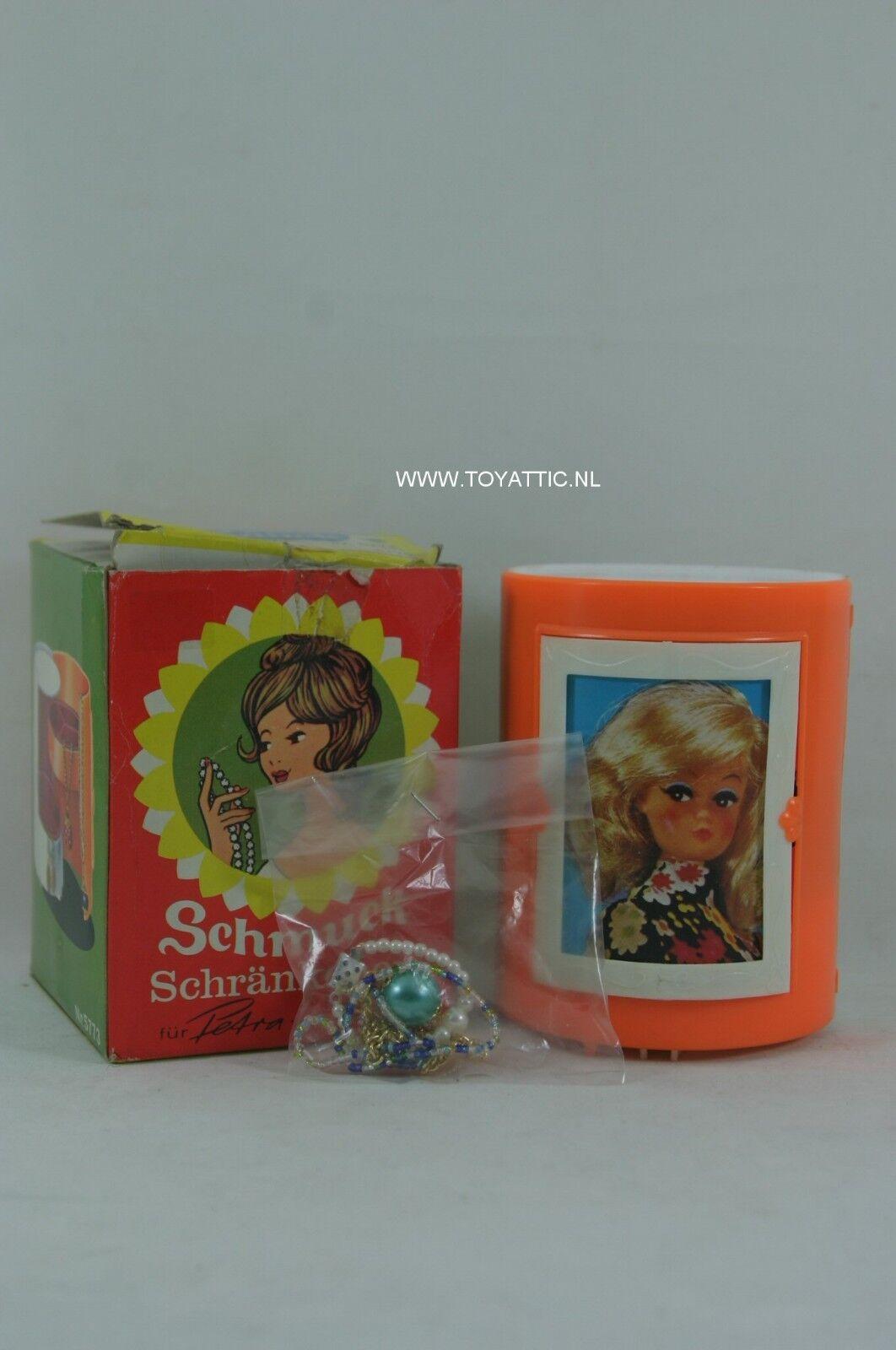 Petra Barbie Tamaño Caja de joyería de Plasty nunca quitado de la caja en el paquete original rara