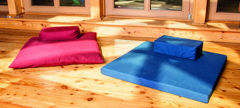Meditationssitz + Meditationsmatte dunkelblau Kokosnuss Faser gefüllt Berk Yoga