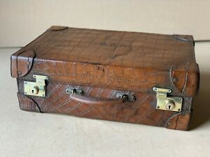 Genuine-Crocodile-Antique-Cornered-Suitcase