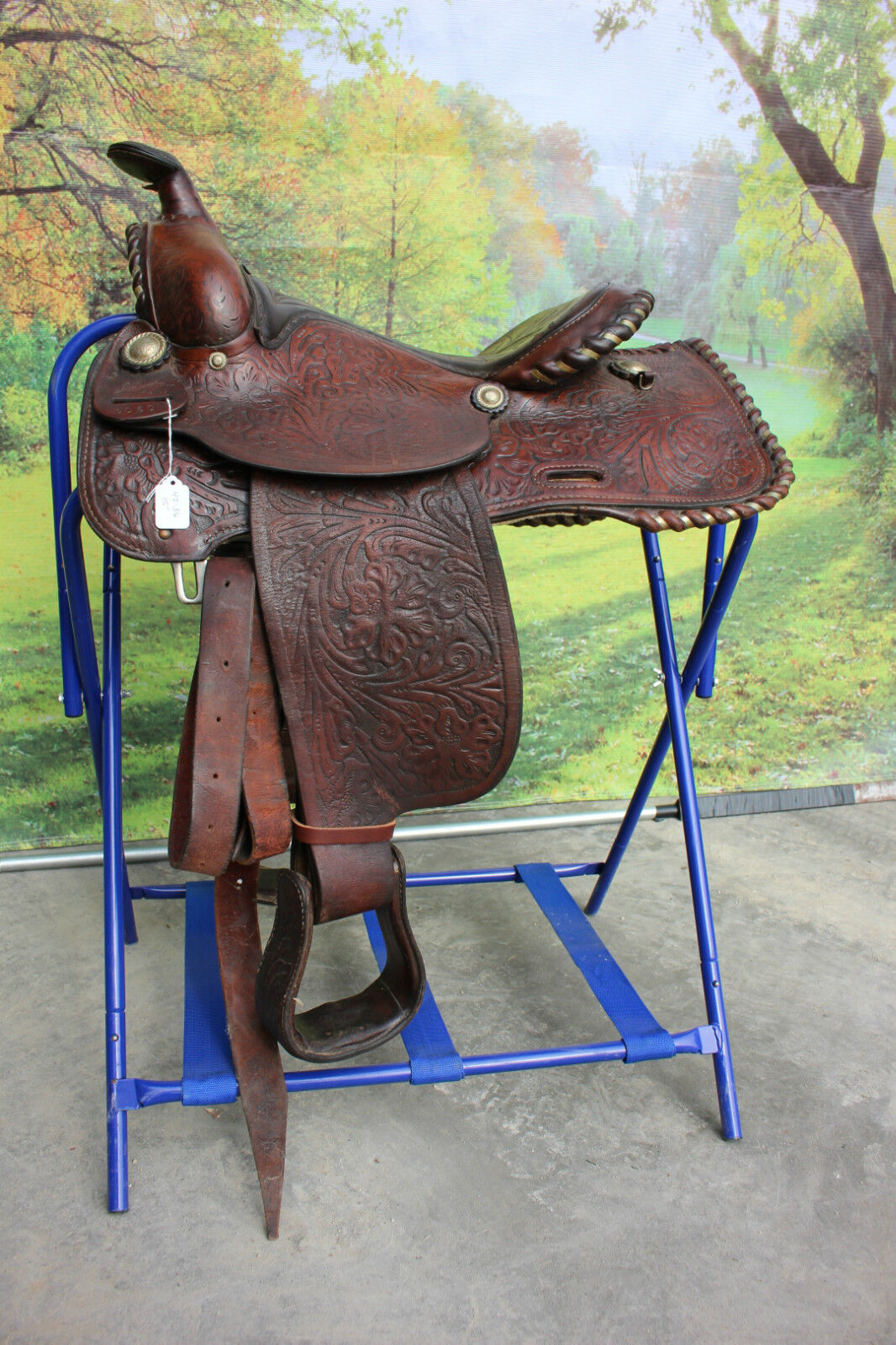 42-36  Pre-owned 15  Jesse Toney leather ranch western saddle - nice qualitty
