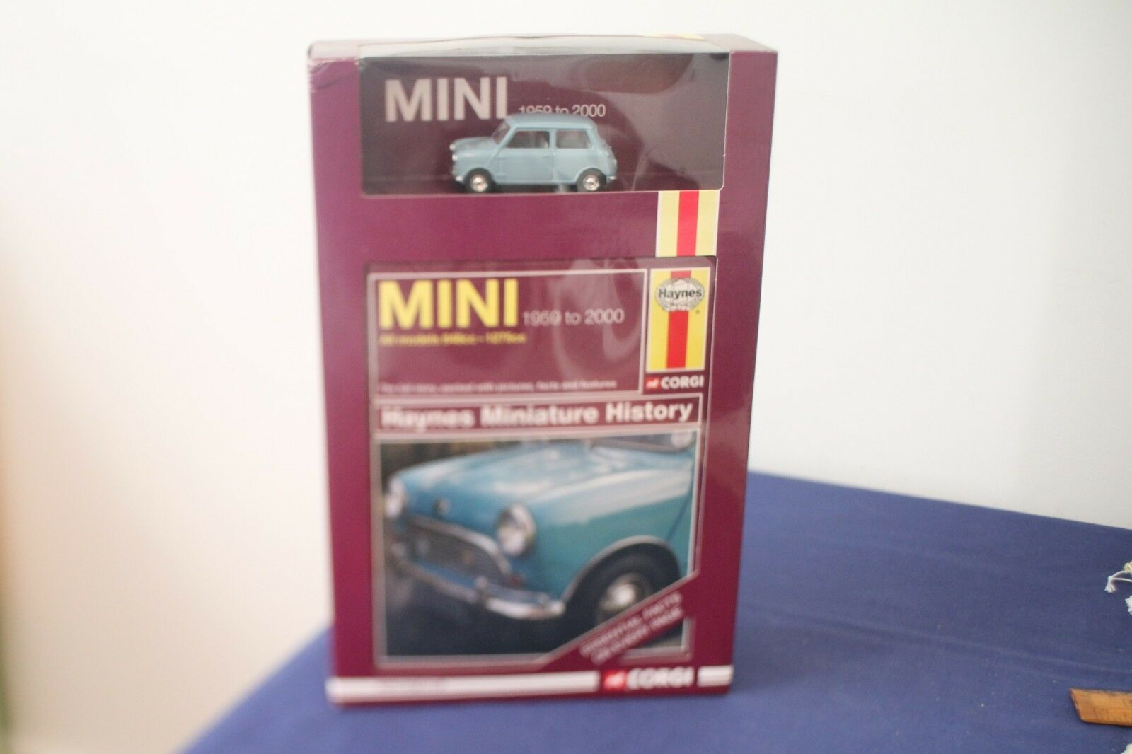 Corgi Haynes Miniature History Mini 1959 to 2000 Model Car