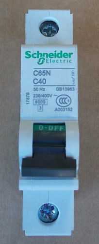 NEW Schneider Electric C65N C40 1 Pole 40 Amp 230//400V Circuit Breaker