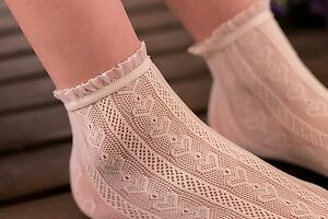 Women-Lady-Girl-Retro-creamy-white-Fancy-Ankle-Heart-Frilly-Short-Lace-Socks